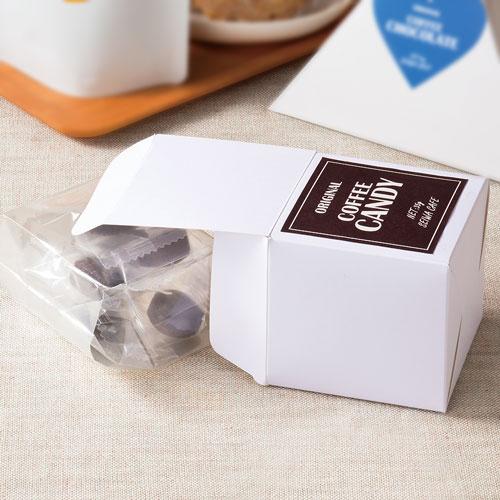 シンプルな洋菓子のプチギフト